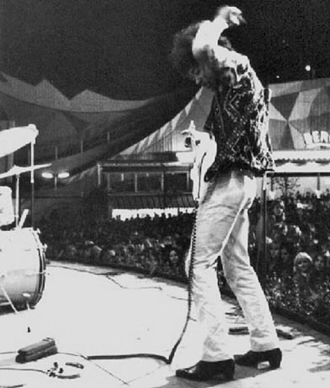 Göteborg (Stjaarnscenen) : 12 septembre 1967 [Premier concert]  940292page5901005full
