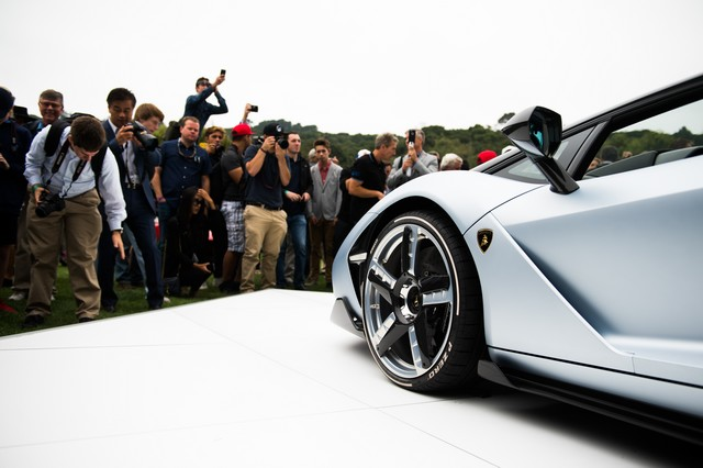 Lamborghini a dévoilé sa Centenario Roadster à Pebble Beach  940951446255