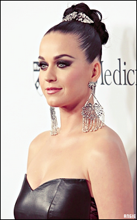 Ma petite galerie des horreurs - Page 11 940978KatyPerry1