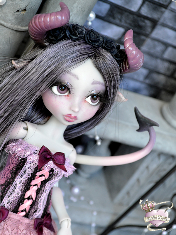 [Créa] † Mystic Dolls † : Réservations ouvertes ! 943332NenyaDemoneLDoll08