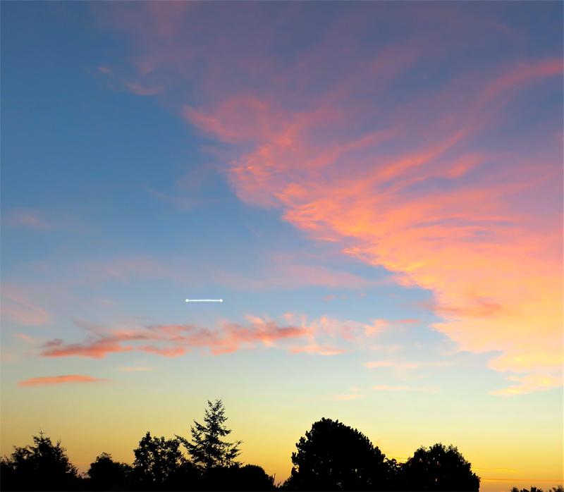 2001: le 07/09 à 19h45 - boules lumineuses reliées par un rayon lumineux - Lesconil  -Finistère (dép.29) - Page 2 948340recons6
