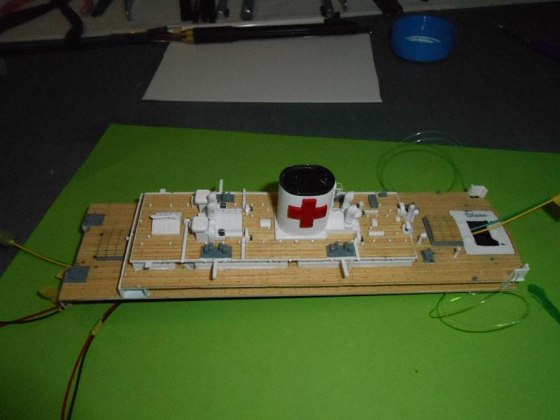 Hikawa Maru hopital 1/350 PE/pont en bois et babioles  - Page 5 949973DSCN5813