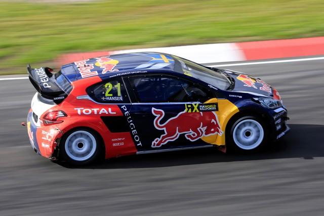Rallycross - Sébastien Loeb remporte sa première victoire au volant de la PEUGEOT 208 WRX ! 95055557efbab8bb6e0