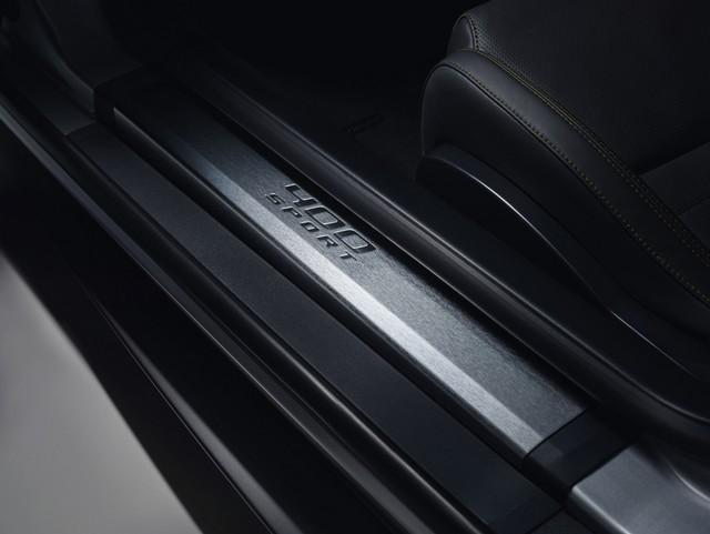 Lancement De La Nouvelle Jaguar F-TYPE Dotée De La Technologie GOPRO En Première Mondiale 951840jaguarftype18my400sstudioexteriordetail10011704