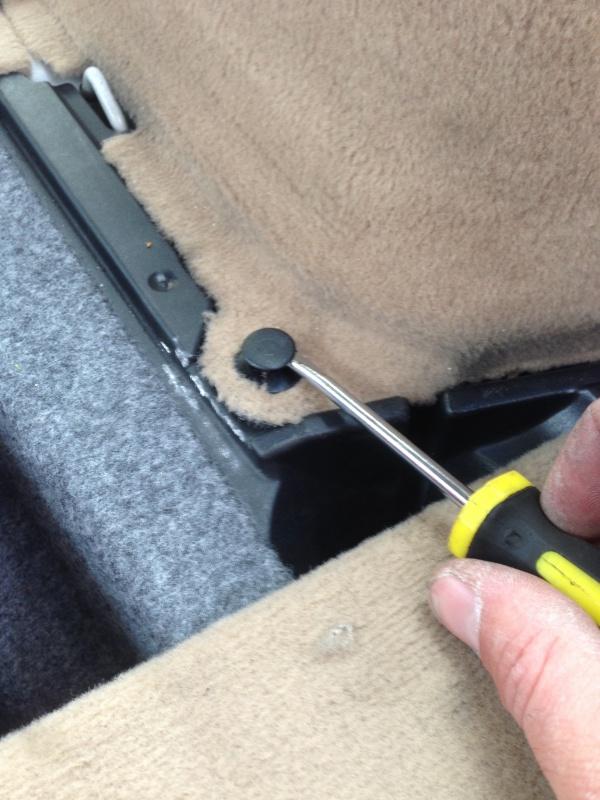 [BMW E46 Touring] Changement des haut-parleurs arrières 956024IMG5720