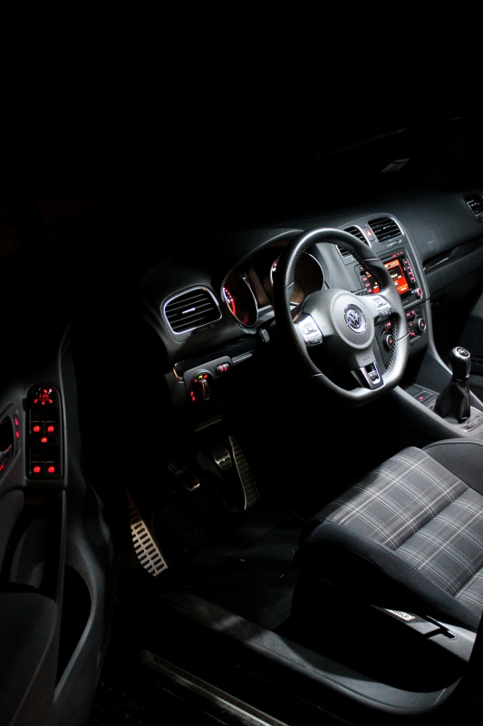 Golf 6 Gtd black - 2011 - 220 hp - Shooting p13 et insignes Piano Black p25 - Page 6 956346IMG0195bis