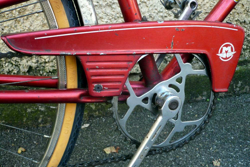 Motoconfort 1974 (rouge) 959837confort018