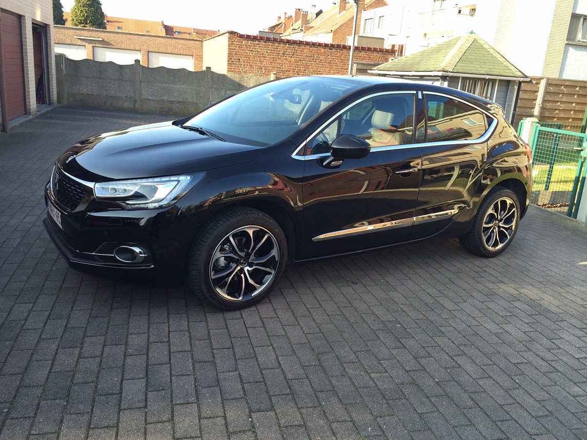 New DS4 BlueHdi 115 Sport Chic noir Perla. 961983IMG2566