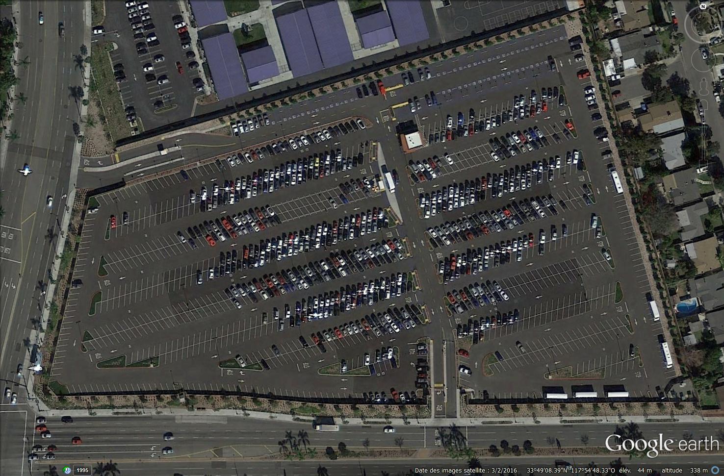 [Disneyland Resort] Projet de troisième parc et nouveaux parkings - Page 3 963851DLCastMembersparking