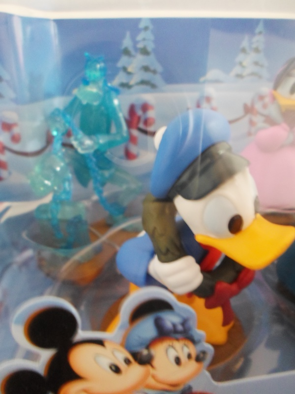 Mickey et ses amis  - Page 7 965774SAM2478