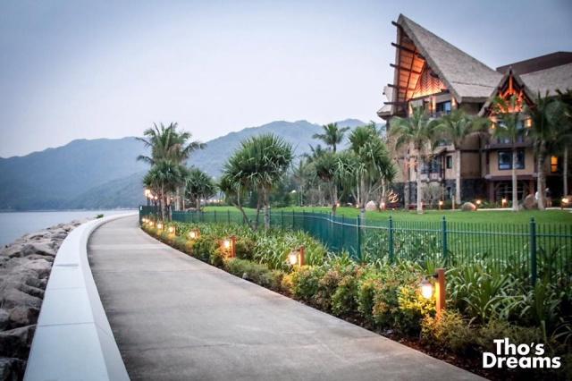 Nouveaux hôtels à Hong Kong Disneyland Resort (2017) - Page 4 966915w447Thos