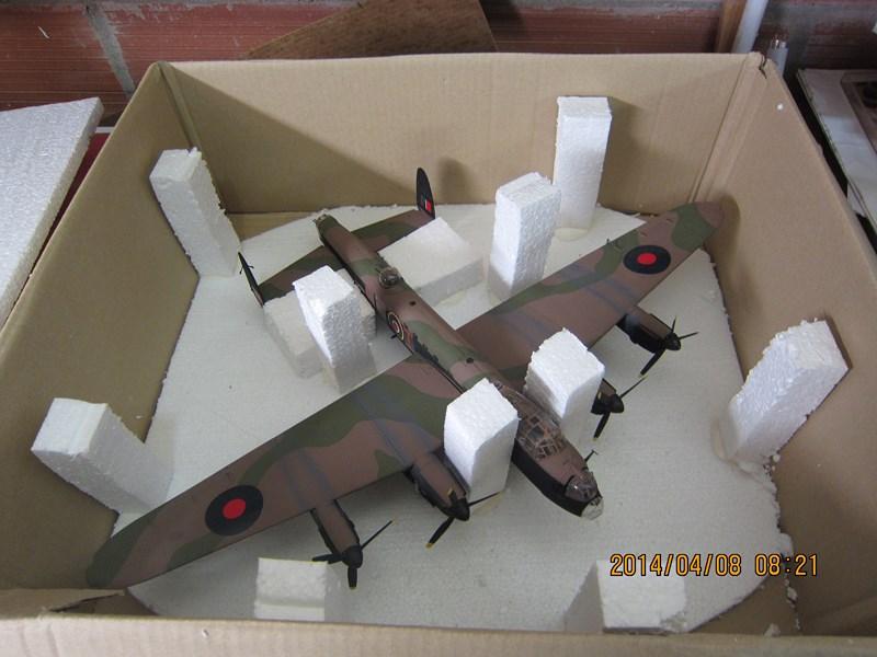 Avro Lancaster BI/BIII de Tamiya au 48 968789IMG1504Copier