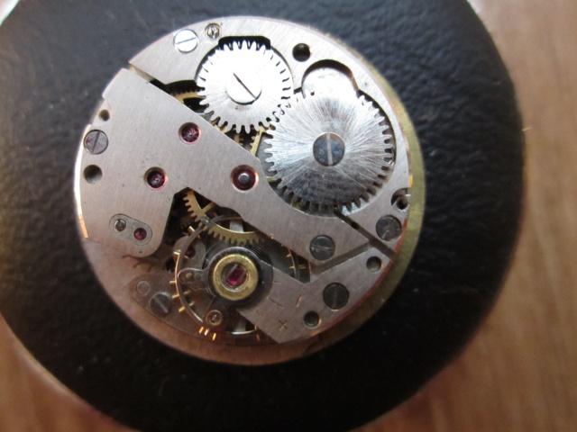 Breitling - Pour faire identifier son mouvement : C'est ici  ! - Page 4 969229IMG1360