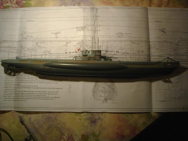 Sous marin Type XXI Revell au 1/125 971191imgp1374c
