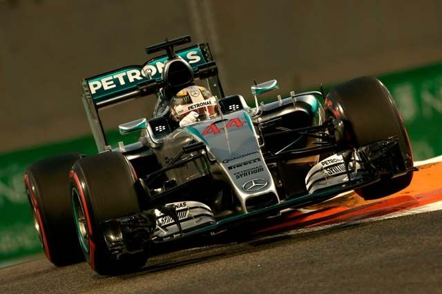 F1 GP d'Abu Dhabi 2015 (éssais libres -1 -2 - 3 - Qualifications) 9732482015LewisHamilton1