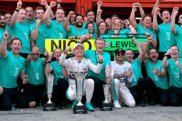 F1GP d'Espagne 2015 : Victoire Nico Rosberg 9757742015toutelequipemercedes