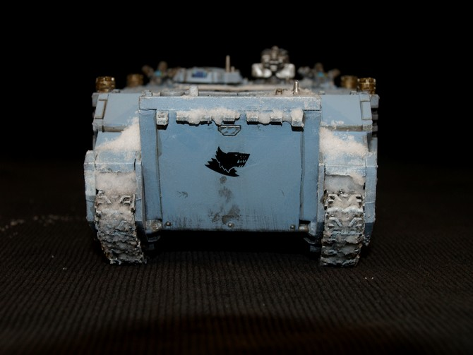 Space Wolves - Typhon... un peu particulier  976065Rhino14