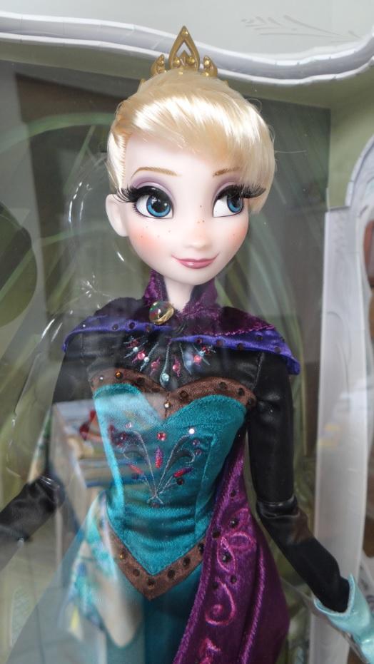 Disney Store Poupées Limited Edition 17'' (depuis 2009) - Page 4 979891844