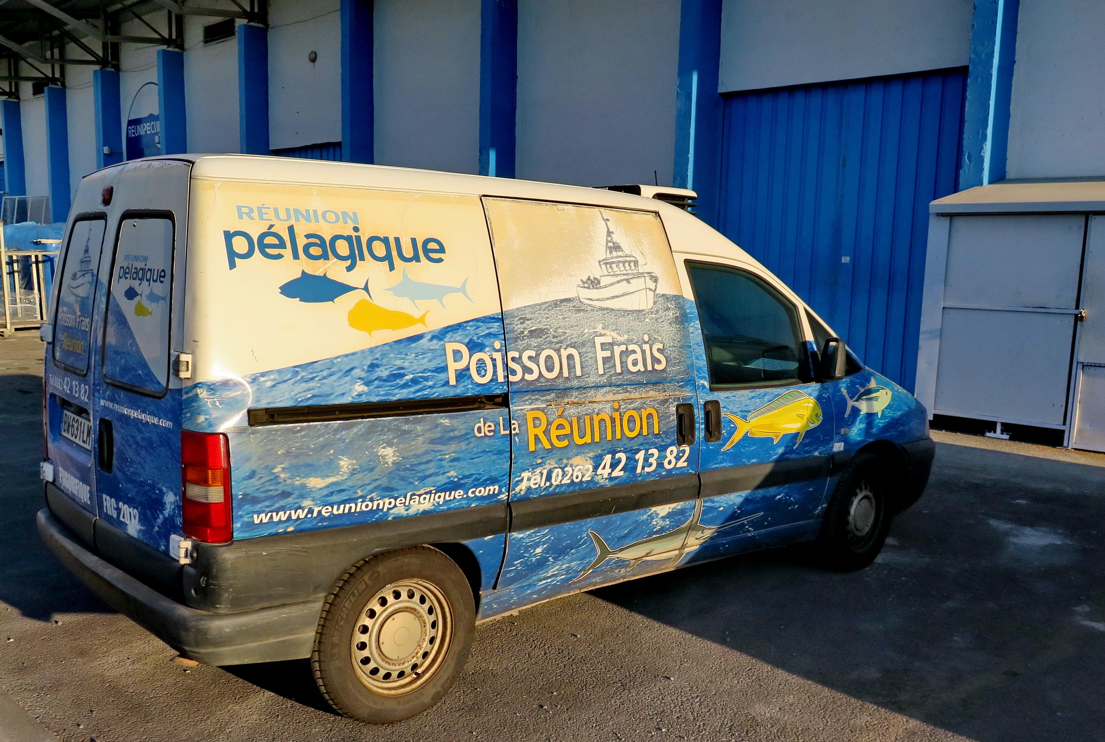 [Vie des ports] Les ports de la Réunion - Page 6 980036leportsolange050