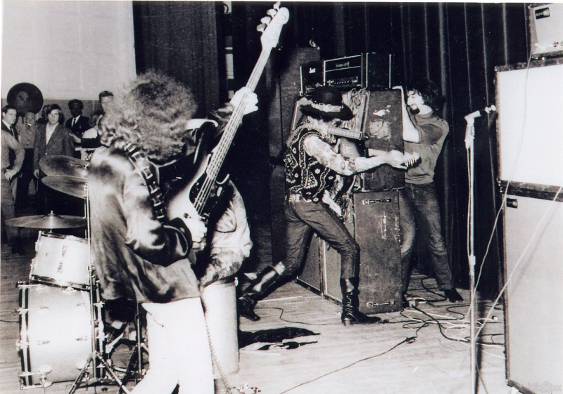 Cleveland (Public Music Hall) : 26 mars 1968 [Premier Concert] 98064719680326Clevelandshow0101