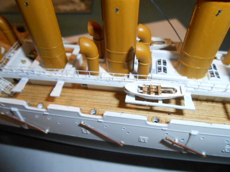 """Croiseur  Russe """"VARYAG"""" Zvezda 1/350 pont en bois / PE  - Page 2 982224mer012"""