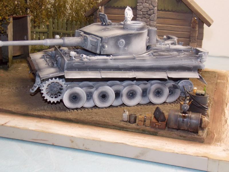 TIGRE S33  avant la bataille de Koursk juillet 43 (Dragon 1/35 dio DIODUMP) - Page 4 985521DSCN4633
