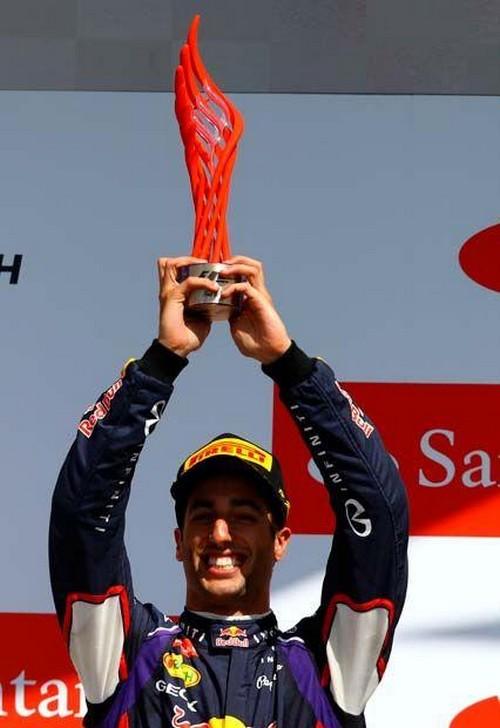 F1 GP de Grande Bretagne 2014 : Victoire Lewis Hamilton 9865332014DanielRicciardo