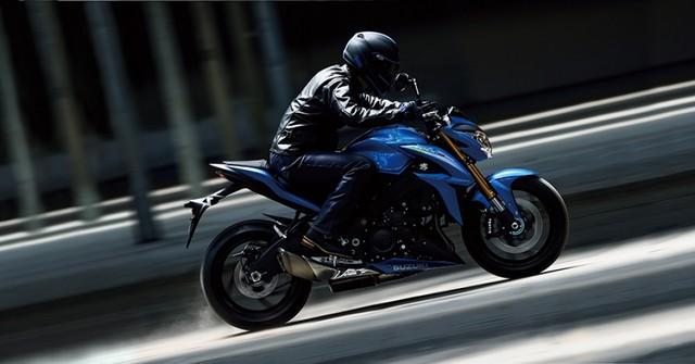 Suzuki dévoile son nouveau roadster au cœur de sportive 986878gsxs1000al6action4