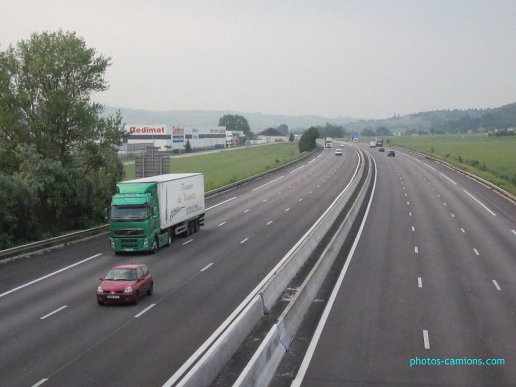 Transports du Vivarais (Pont de l'Isere, 26) - Page 2 989756IMG0794Copier