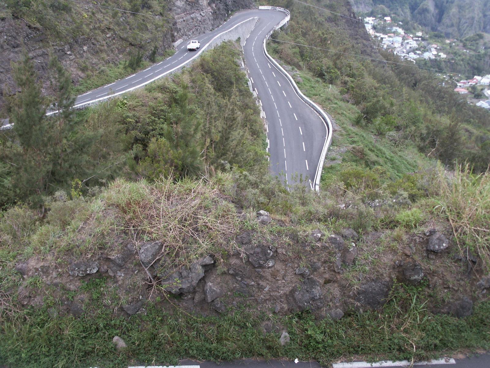 LA RÉUNION : la route de Cilaos, dite route aux 400 virages 991003PICT1885