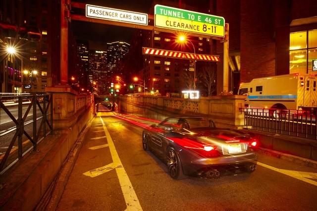 La Jaguar F-TYPE SVR rugit dans le Fameux tunnel de Park Avenue À New  991985JaguarFTYPESVRTunnel029LowRes