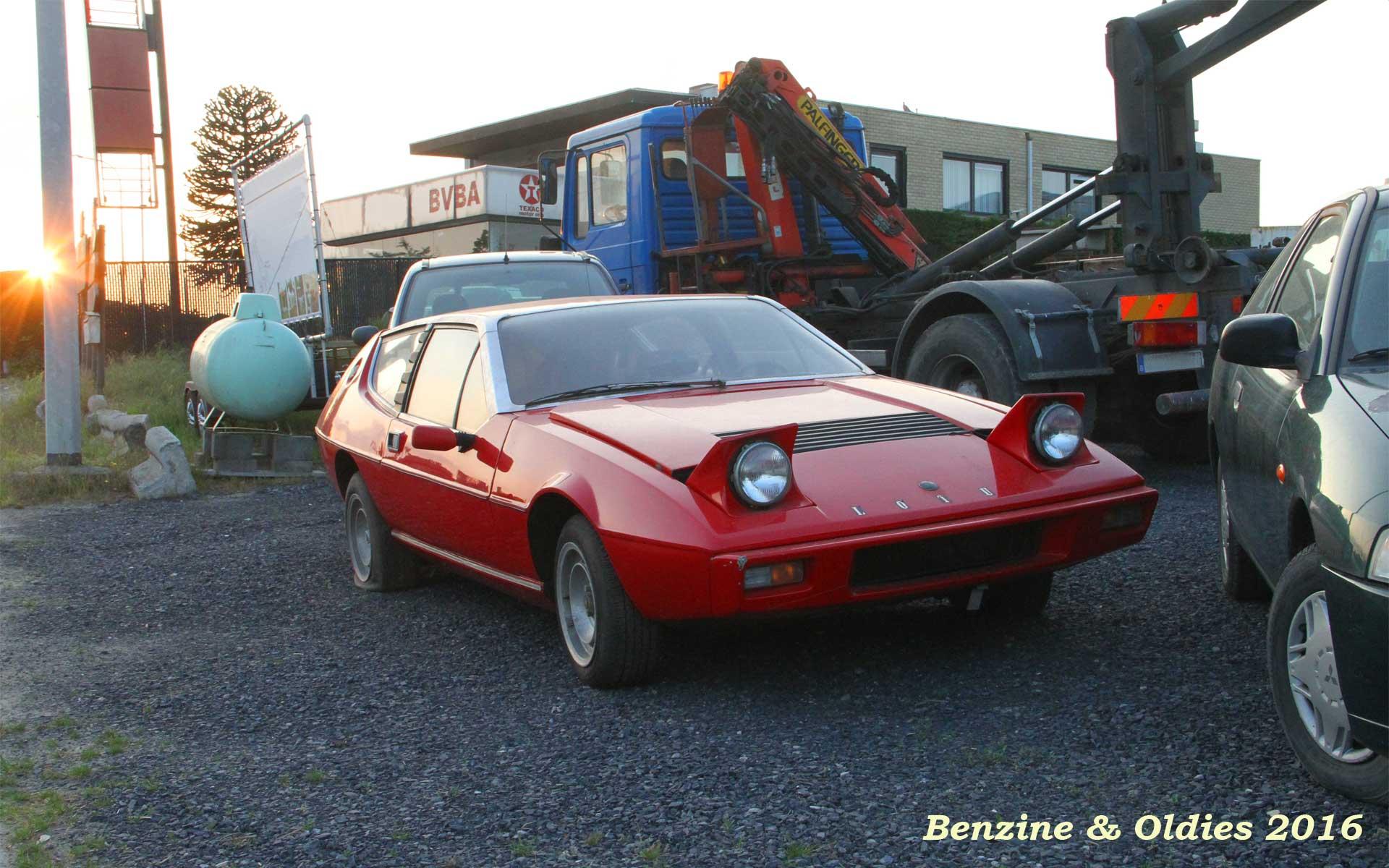 une Lotus Elite S2 à sauver vue sur la route en Belgique 994497lotusstreet0001