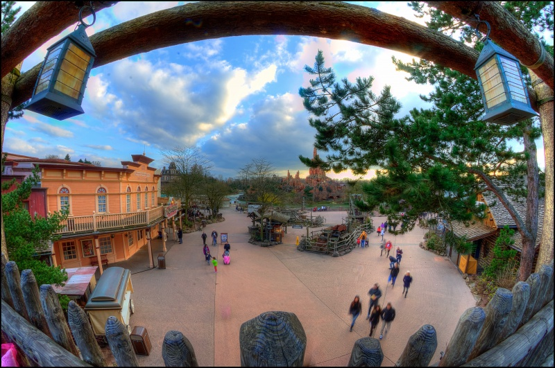 Photos de Disneyland Paris en HDR (High Dynamic Range) ! 995075FrontierTESTDCPHDR1
