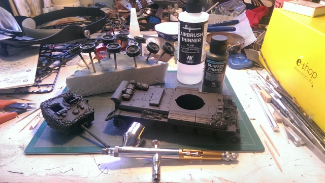 A 27 CROMWELL Mk IV Tamiya 1/35 et A34 COMET BRONCO 1/35 - Page 3 997226IMAG2341