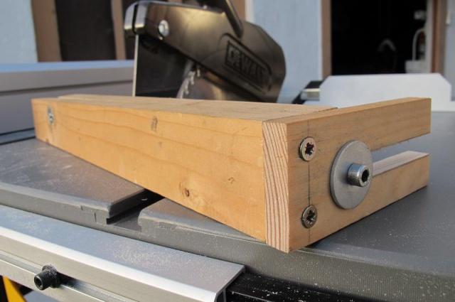 fabrication d'une pince pour scie sur table  997686dewaltb