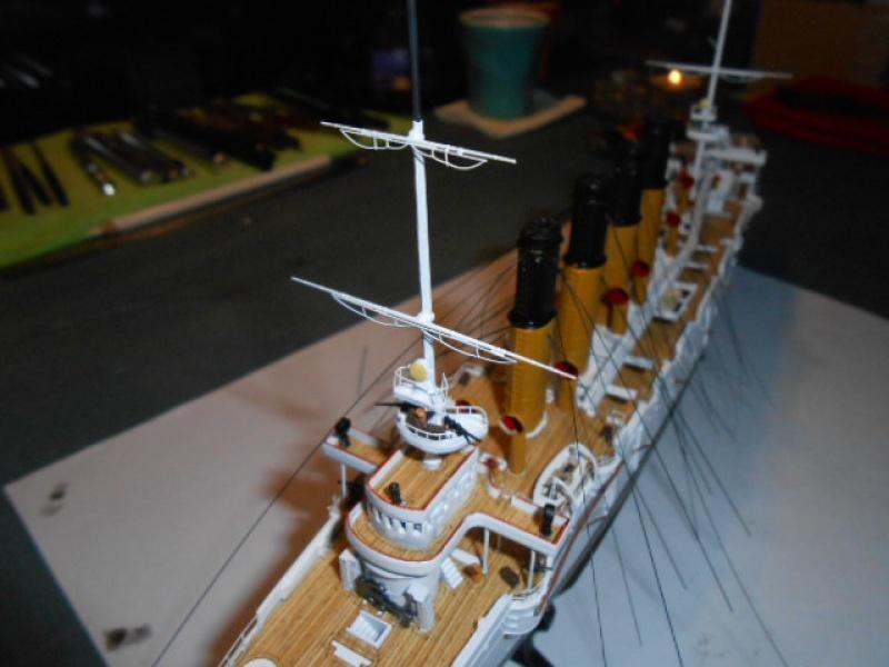 """Croiseur  Russe """"VARYAG"""" Zvezda 1/350 pont en bois / PE  998772009"""