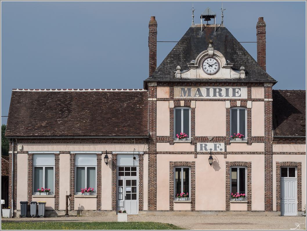 Promenade à Evry (Yonne) 999935LR6P7240060