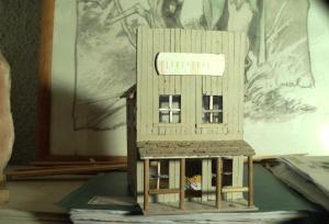 fabrication d'un saloon Mini_174729SUNP0790
