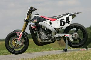 Motos / 125 / gros cube / sportives / cross / supermotard / etc... - Page 6 Mini_258973HR8Y66411