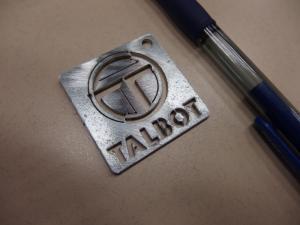 Pour les collectionneurs de porte-clefs Mini_461015P4050001