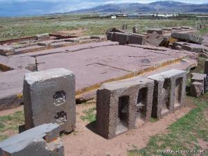 Les ruines de Puma Punku - Page 6 Mini_576052pumapunku