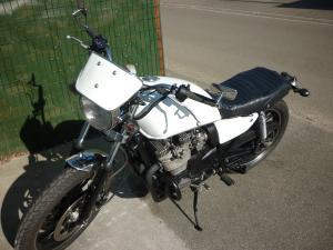 XJ 400 en Cafe Racer et/ou Brat Style Mini_774939P1060006