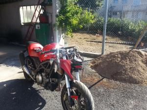 [VENDU] Cagiva 1000 V Raptor accidenté Mini_85521620130817102432