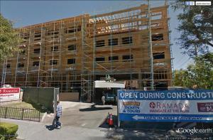 [The Anaheim Resort] Infrastructures publiques, hotels tiers, GardenWalk Mini_867988ramadamaingatenewfacade