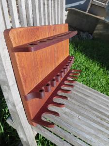 Design By Wood: artisan proposant de magnifiques stands de rasage. Mini_880366IMG3012