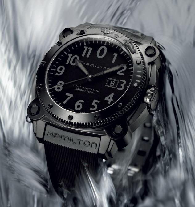 Connaissez-vous des montres dans le genre Bell&Ross ? 661032belowz1