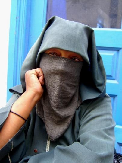 نساء المغرب المكافحات من اجل لقمة العيش بشرف.. 909111femmes-agadir-Fatima