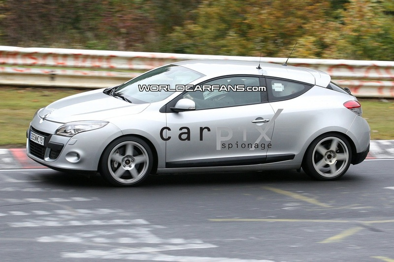2009 - [Renault] Megane III RS - Page 3 9896109081008_002_Mini3L