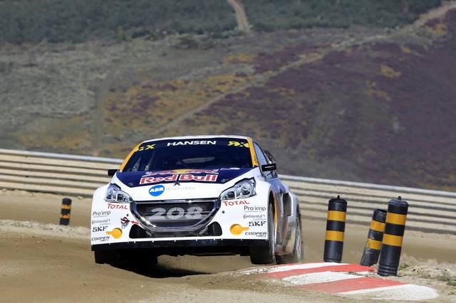 Sébastien Loeb et la PEUGEOT 208 WRX décrochent une belle deuxième place à Montalegre 12170858fbb41b10ece