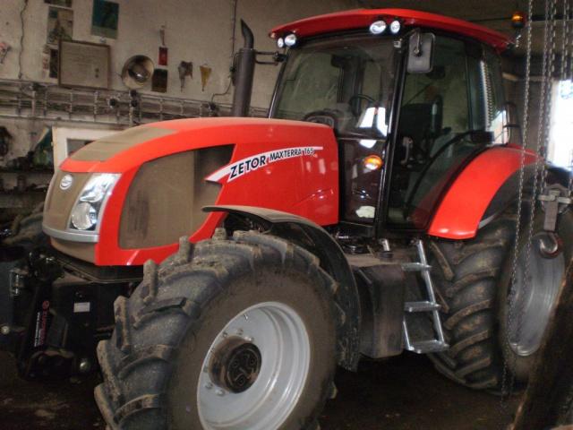 Photos de tracteurs Zetor  - Page 2 122910P5060018